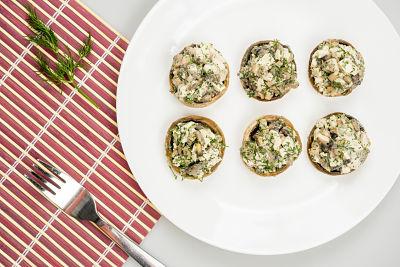 Ciuperci umplute –  raw vegan