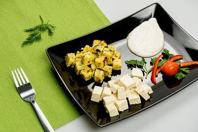 Mamaliga cu tofu si smantana din caju – vegan
