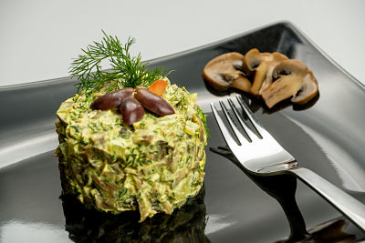 Salata de ciuperci cu maioneza vegetala – raw