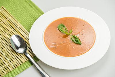 Supa de rosii cu busuioc – raw