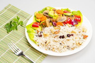 Tigaie picanta cu orez basmati si seminte – vegan