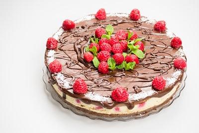 Tort ciocolata vanilie zmeura – raw