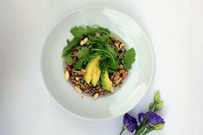 Salată quinoa tricoloră – vegan