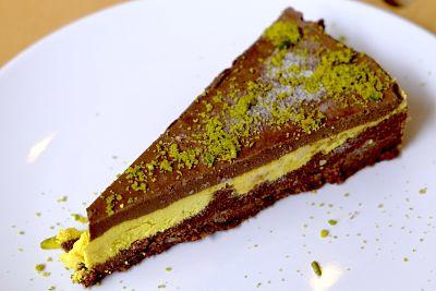 Tort Ciocolată alcalină  şi lămâie – raw / fără gluten