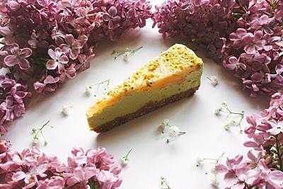 Tort cu mere verzi, lime și matcha – raw / fără gluten