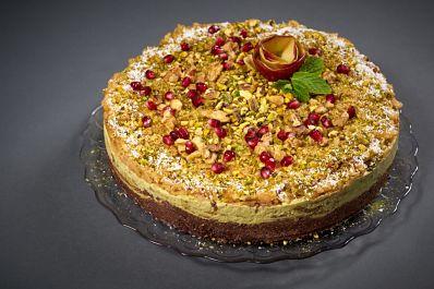 Tort-cu-mere-verzi-lime-și-matcha