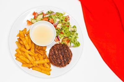 Beyond Meat (proteină de mazăre) cu cartofi din ţelină şi salată – vegan (6)_opt
