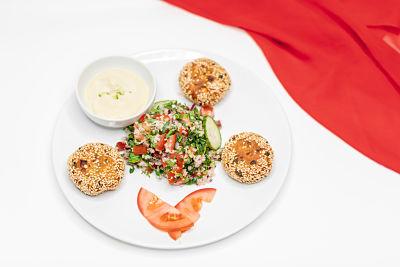 Falafel cu tabbouleh şi sos de muştar cu caju – vegan (3)_opt