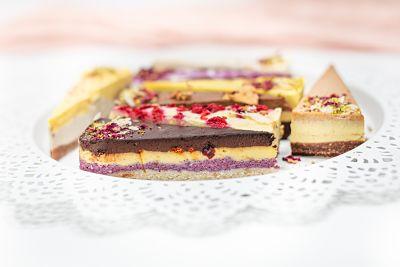 Happy Cakes – 8 felii de tort (1)_opt