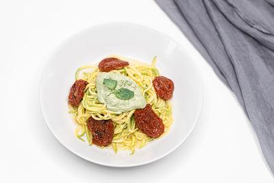 Spaghetti pesto şi roşii deshidratate – raw (5)_opt