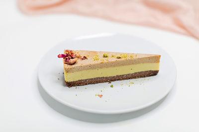 Tort ciocolată cu sirop de curmale– raw (5)_opt